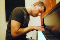 Roy-zu-arets--pianist-composer